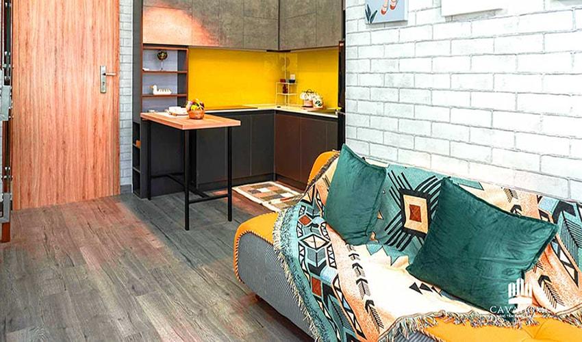 Khu vực bếp được bàn giao hoàn thiện bao gồm tủ bếp trên, tủ bếp dưới, vòi rửa, lavobo và mặt bếp được lót đá hoa cương dễ dàng lau chùi