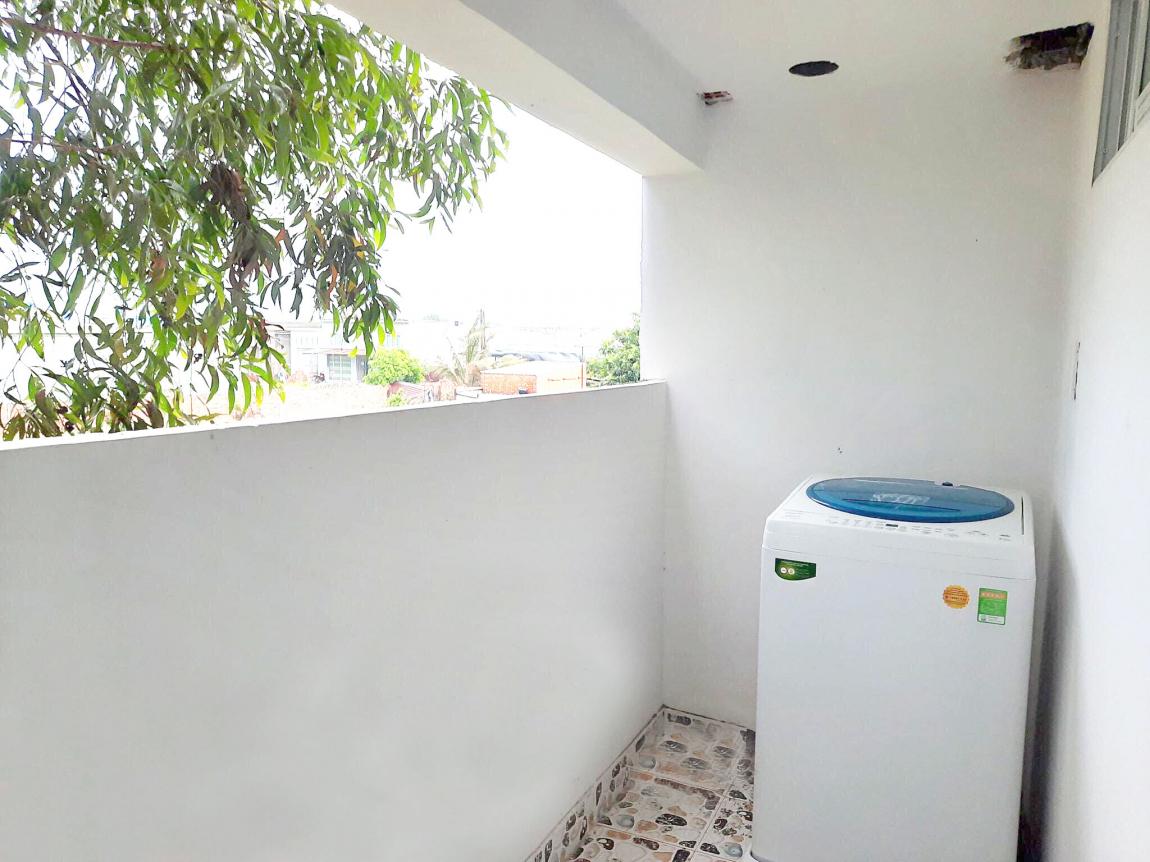 Tấc cả căn hộ đều có ban công riêng giúp đón ánh sáng và gió tự nhiên.