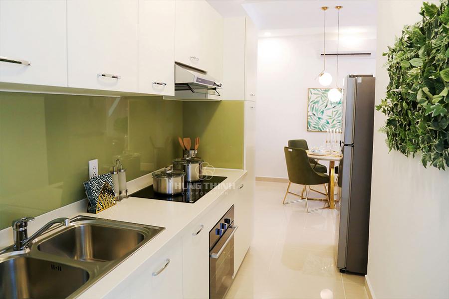 Nhà bếp được thiết kế tách riêng với phòng khách tạo không gian riêng tư cho gia chủ.