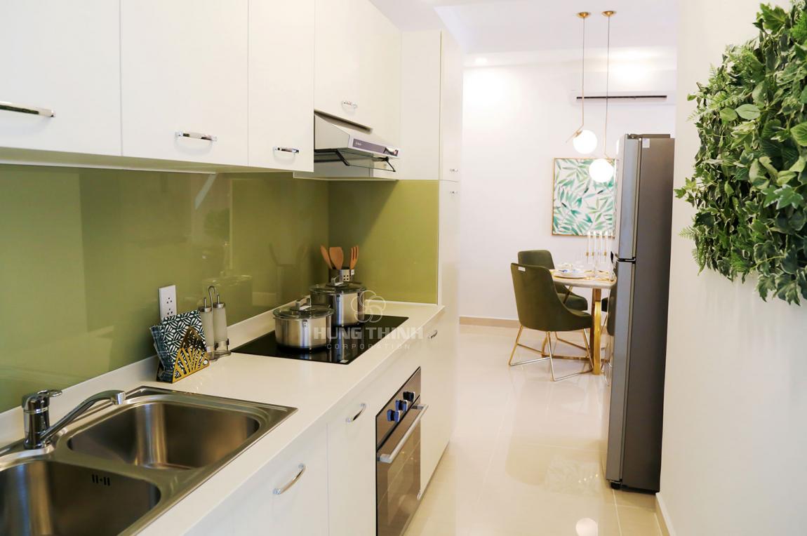 Nhà bếp được thiết kế tách riêng với phòng khách tạo không gian riêng tư cho gia chủ