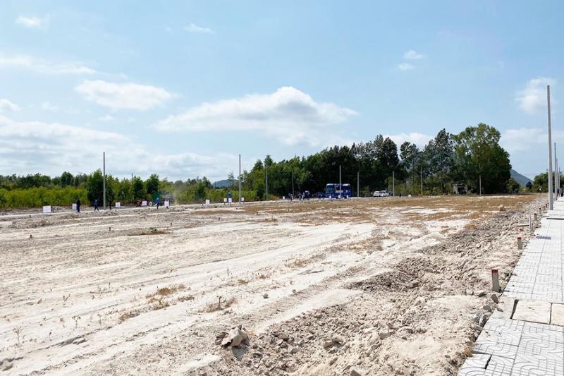 Hình ảnh thực tế tiến độ thi công đất nền Phú Mỹ Riverside